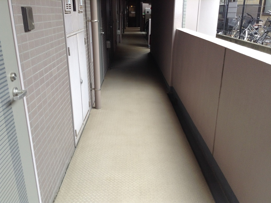 廊下Before